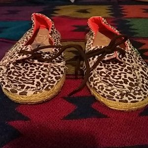 animal print sanuk shoes